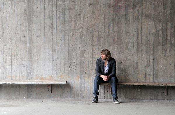"""Ruben Östlund på inspelningsplatsen för """"Play"""". Foto: Marius Dybwad Brandrud/Plattform Produktion"""